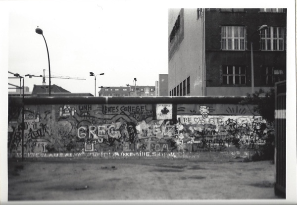 Why did I take so many of my Berlin shots in black and white? Who can say? I was 23 with artistic pretensions.
